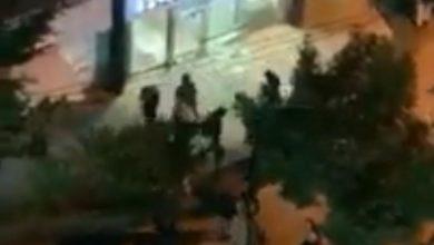 Photo of بالفيديو: هجوم على بنك عودة وبنك سوريا ولبنان