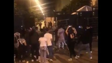 Photo of بالفيديو: توتر في محيط مجلس النواب.. إطلاق نار وهرج ومرج!